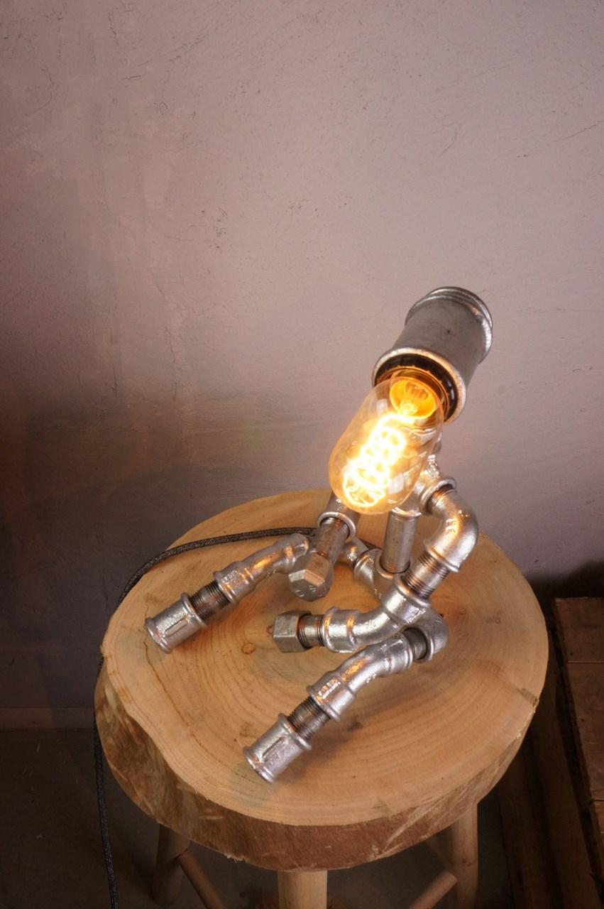 waiting lamp